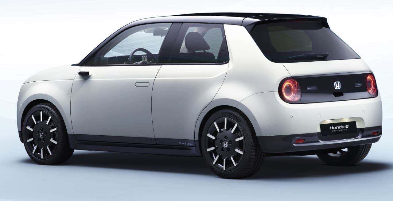 ホンダ「Honda e」プロトタイプを公開へ ― 初代CIVICを想起させるデザイン