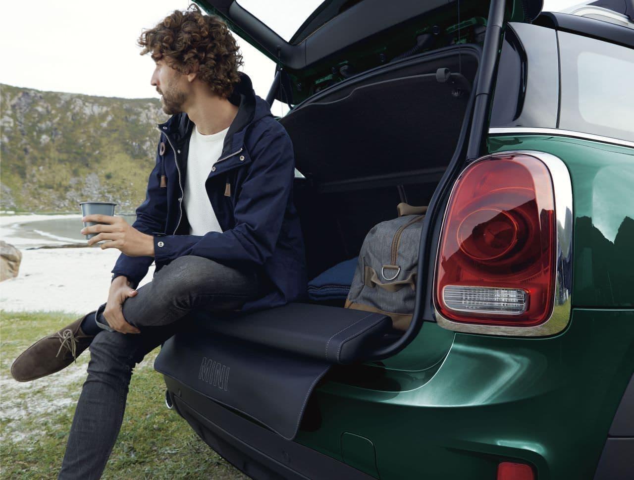 MINIに、旅をテーマにした限定車「Crossover Norfolk Edition」