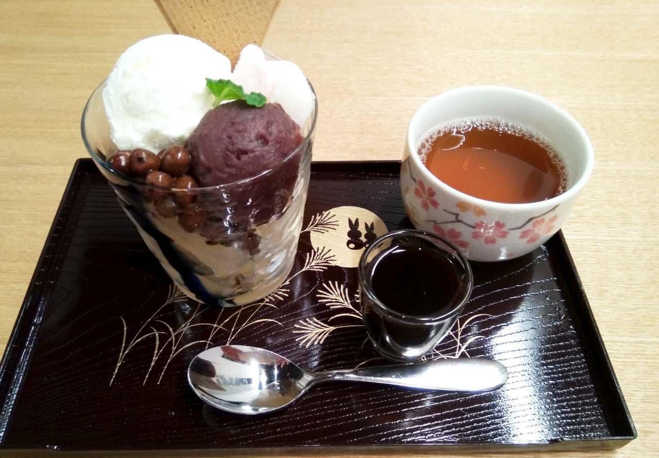エスプレッソ黒蜜クリームあんみつは、神田川沿いでのお花見におススメ
