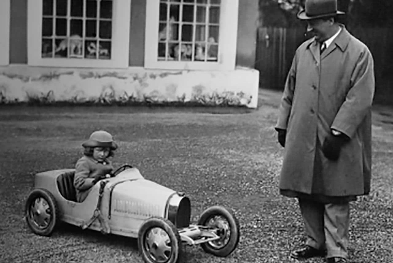 ブガッティ設立110周年を祝う小さなロードスター「Baby II」
