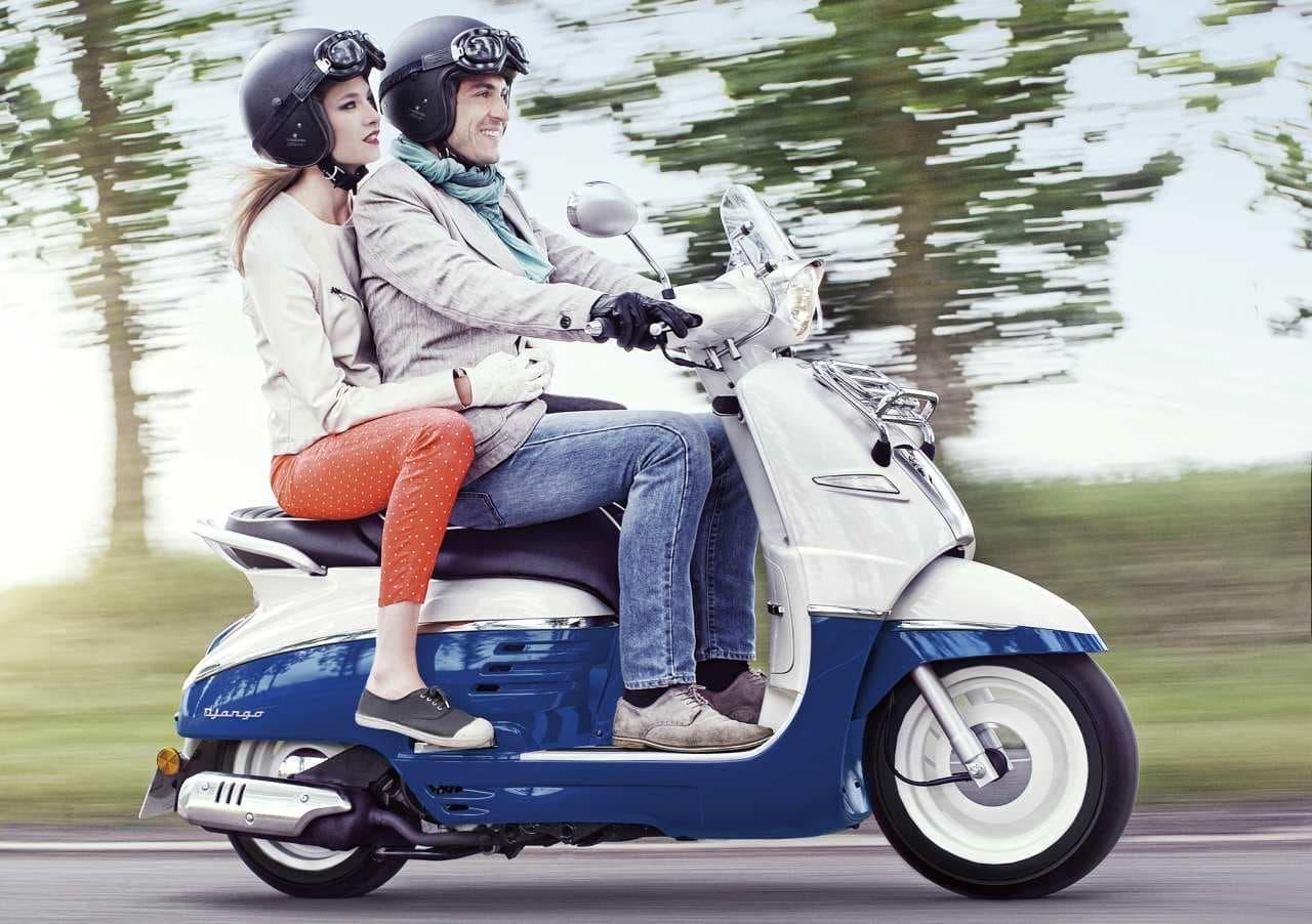 プジョー「ジャンゴ」に、原付免許で乗れる50cc、高速道路を走れる150ccモデル追加