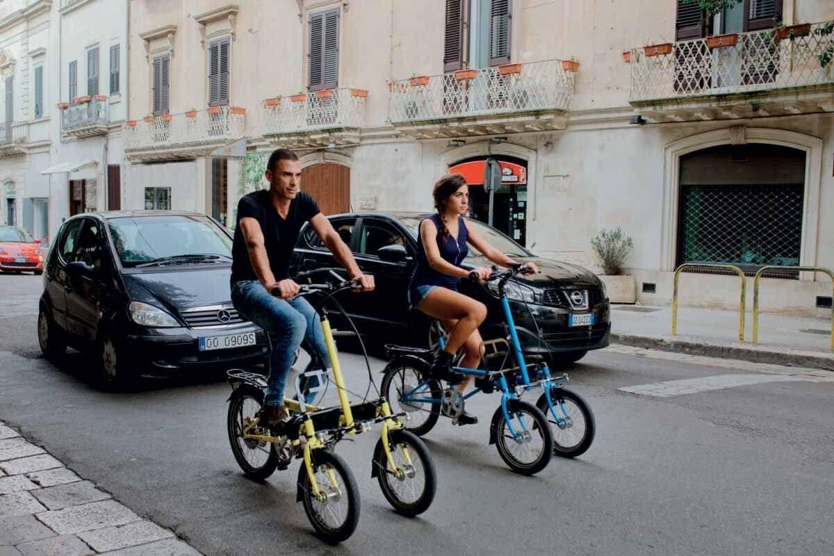 トリシティみたいな3輪電動バイク「TRIS」