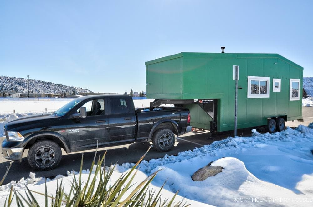 暑い時期には北で、寒い時期には南で過ごすためのキャンピングトレーラー「Tuscon」