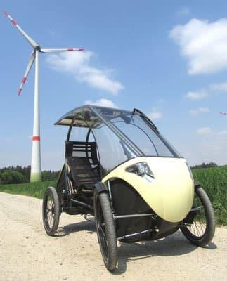 人間はこの乗り物の推進力の1つ ― 4輪の電動アシスト自転車「pedilio」