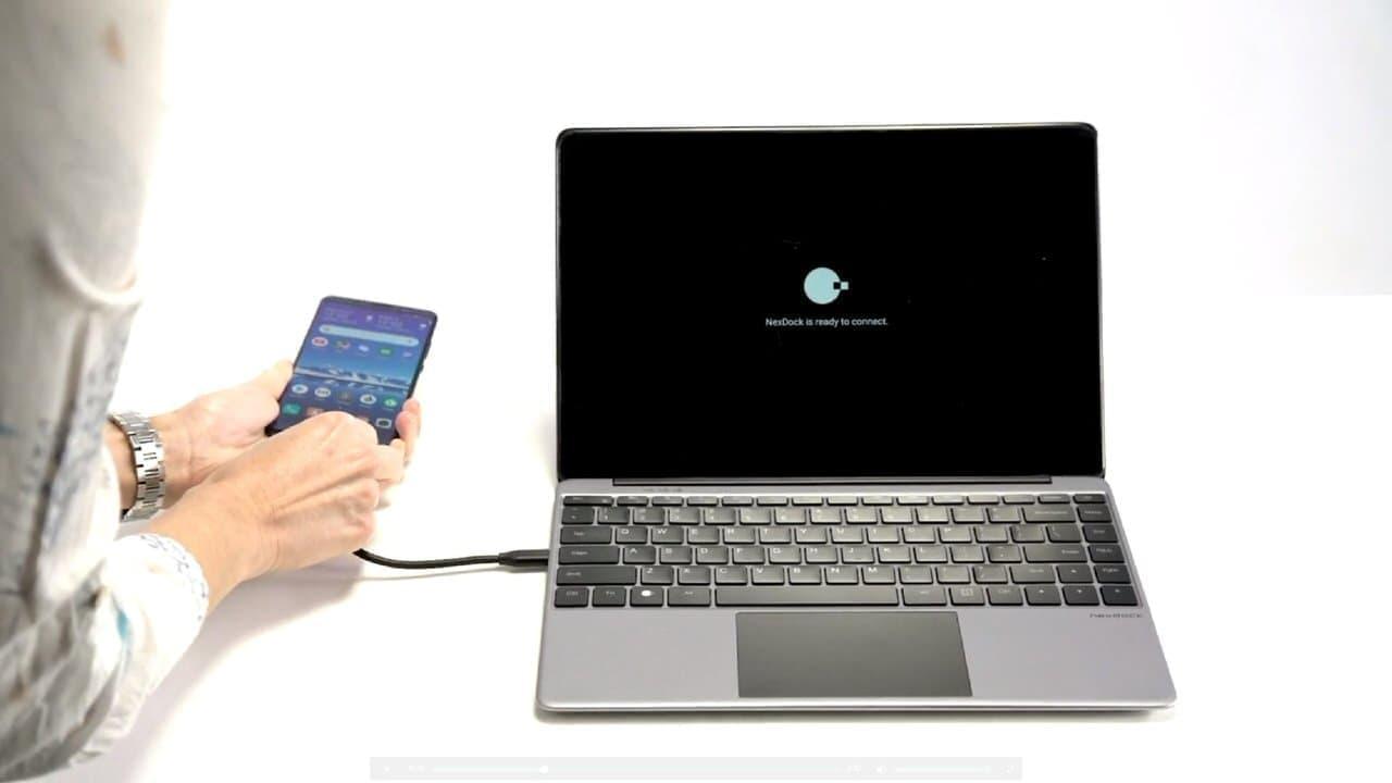 スマートフォンをノートPCにする「NexDock 2」