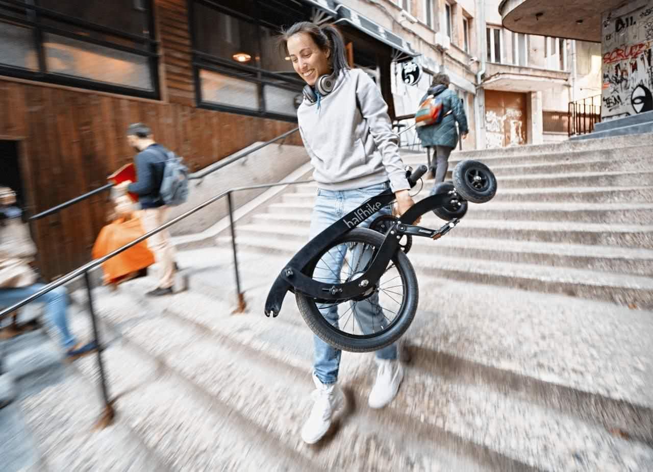 足で漕ぐセグウェイ「Halfbike」に最新型「Halfbike 3」登場