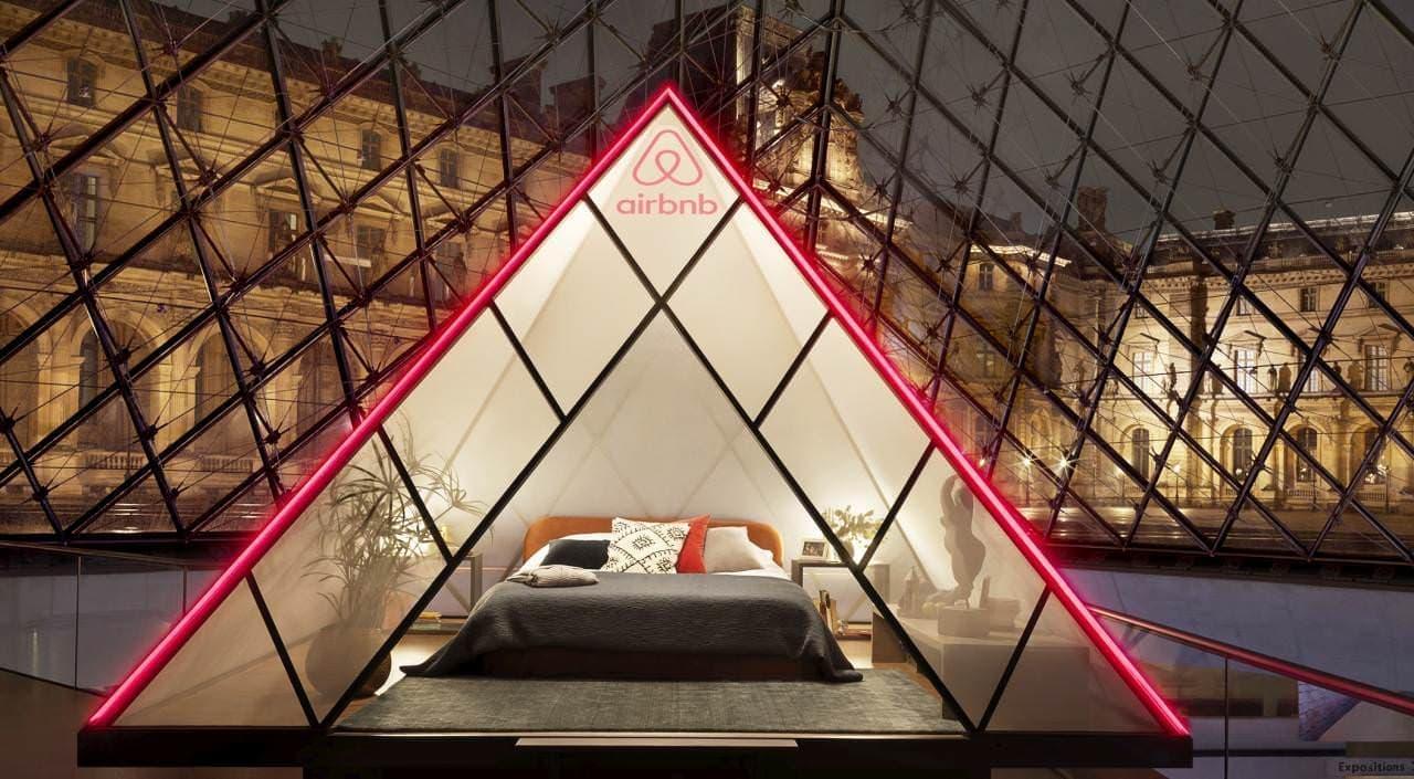 閉館後のルーブル美術館に宿泊できる特別限定企画「ルーヴル美術館で過ごす夜」