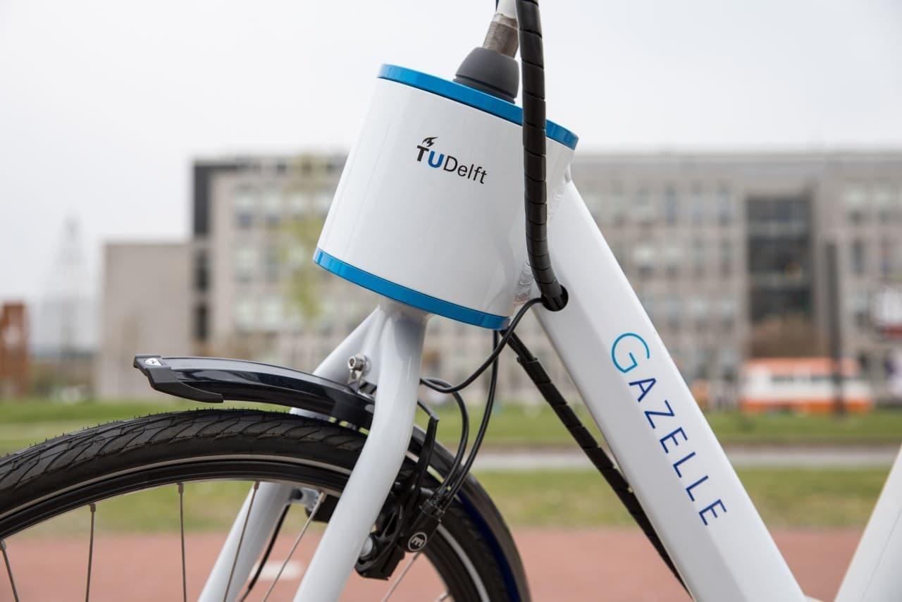 「ステアリングアシスト」搭載転びにくい自転車