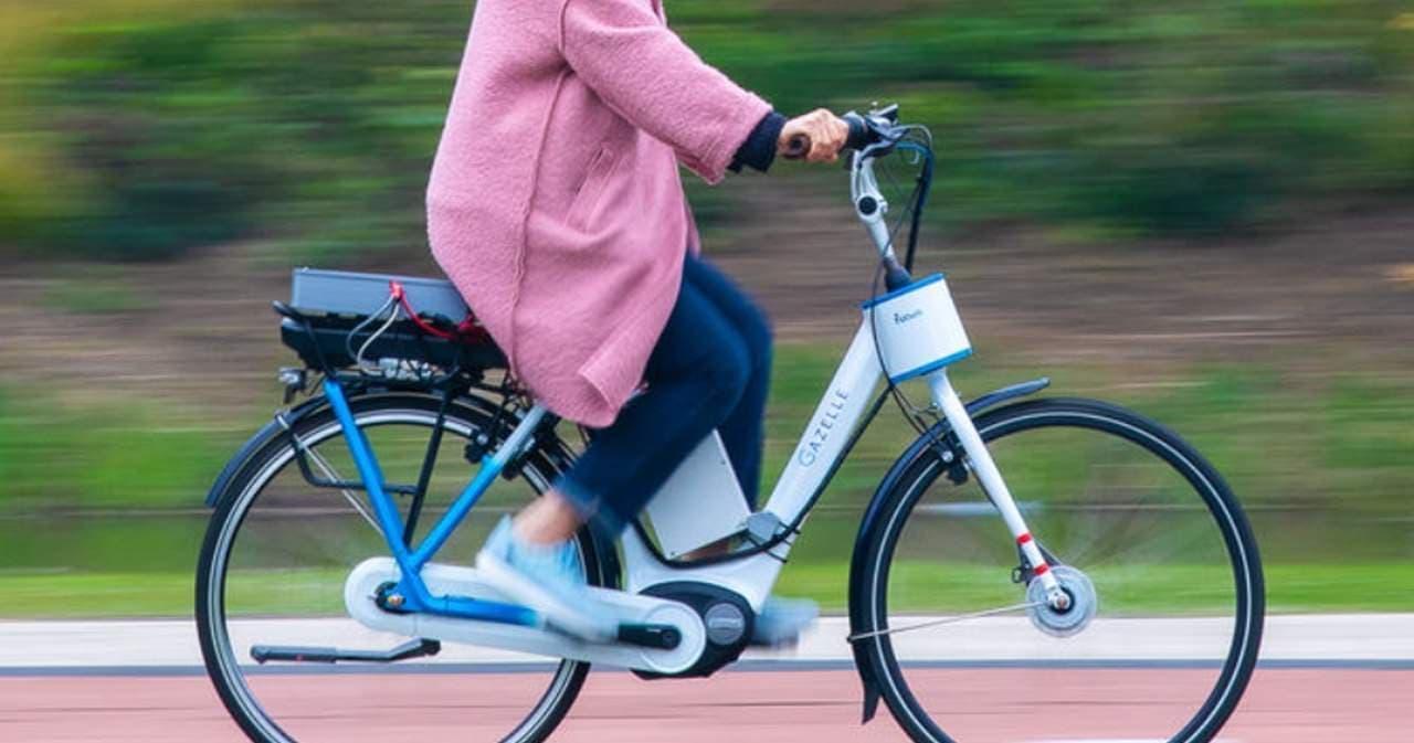 「ステアリングアシスト」搭載転びにくい自転車、プロトタイプ公開