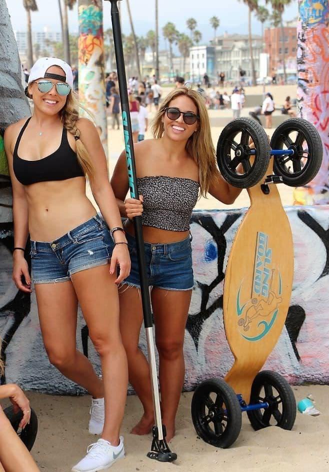 パドルで漕いで進むスケートボード「SlingBoard 2.0 +SlingStick 2.0」