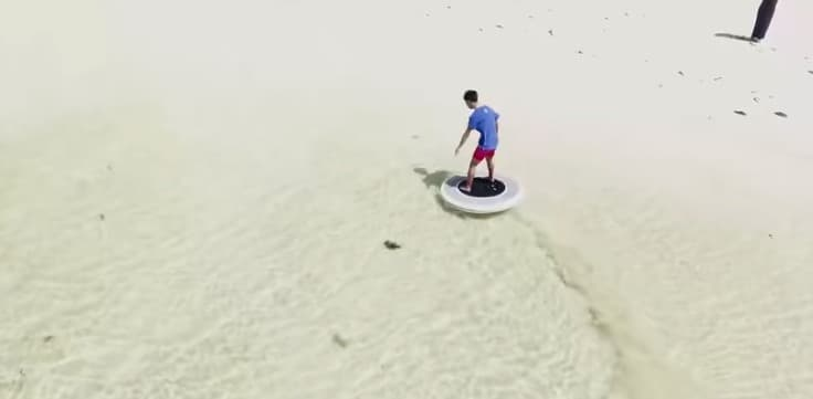 ヤンマーが水上のセグウェイ「Wheeebo」を開発