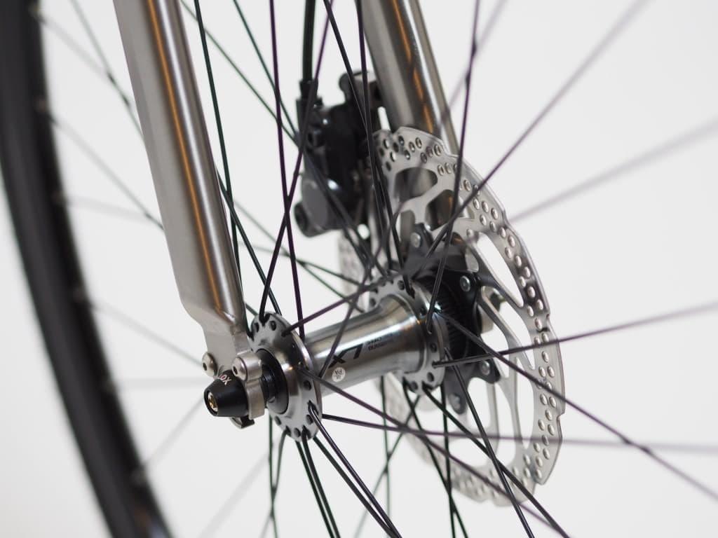 充電がほぼ不要な電動アシスト自転車「NUA ELECTRICA」
