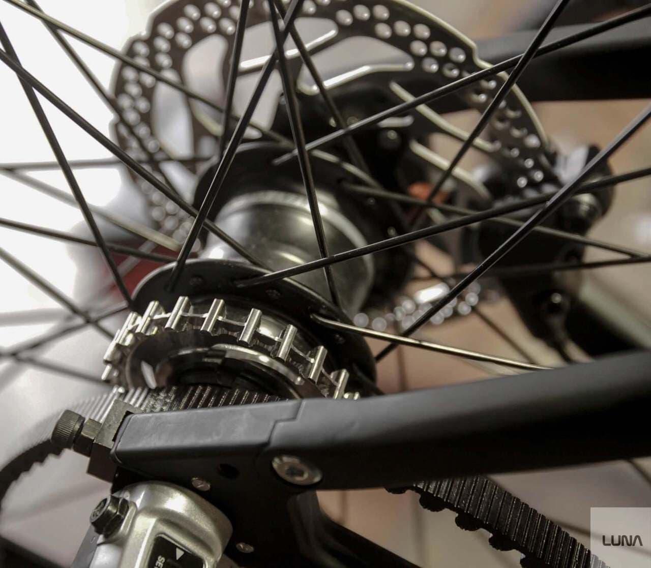 電動アシストに見えない電動アシスト自転車「Luna Fixed Stealth Ebike」