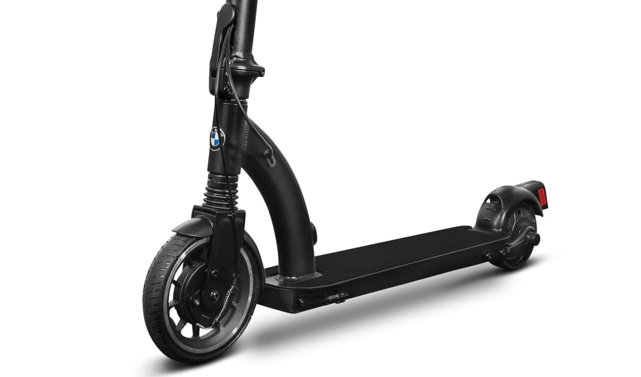 BMWが電動キックスケーター「BMW E-Scooter」を欧州で販売開始