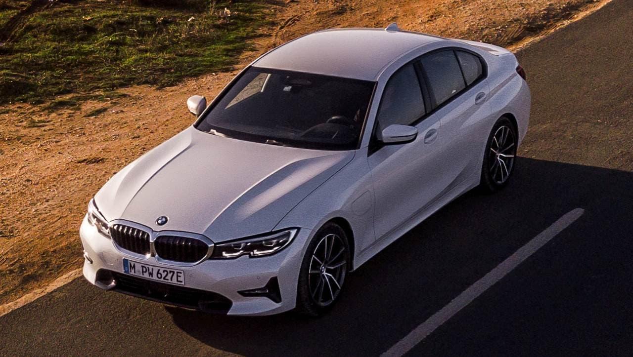 BMW 3シリーズにディーゼルエンジン搭載モデル「320d xDrive」 PHVや直6エンジン搭載モデルも