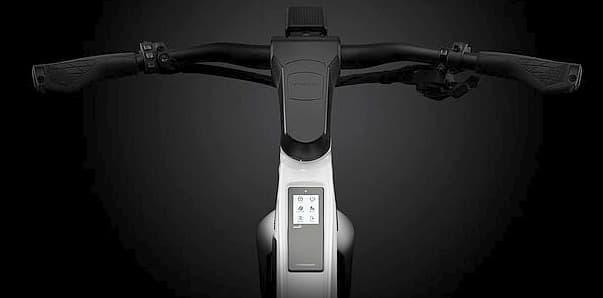 1万ドルの電動モペッドSTROMER「ST5」に、お値段・スペック控えめな「ST3」
