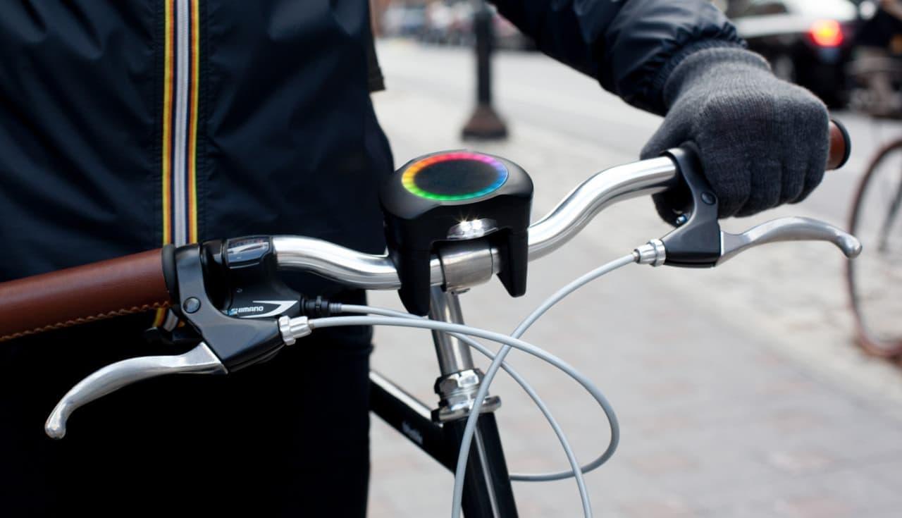 ミニマルデザインの自転車用ナビ「SmartHalo 2」