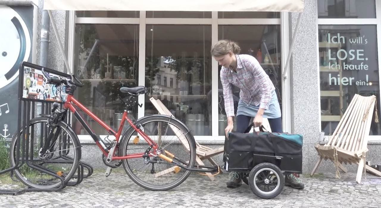 リアキャリアで運べるサイクルトレーラー「Trenux」、Kickstarterに登場