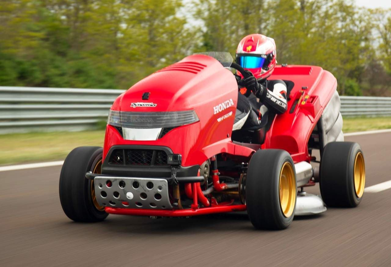 ホンダの芝刈り機「Mean Mower V2」、加速世界一を達成!