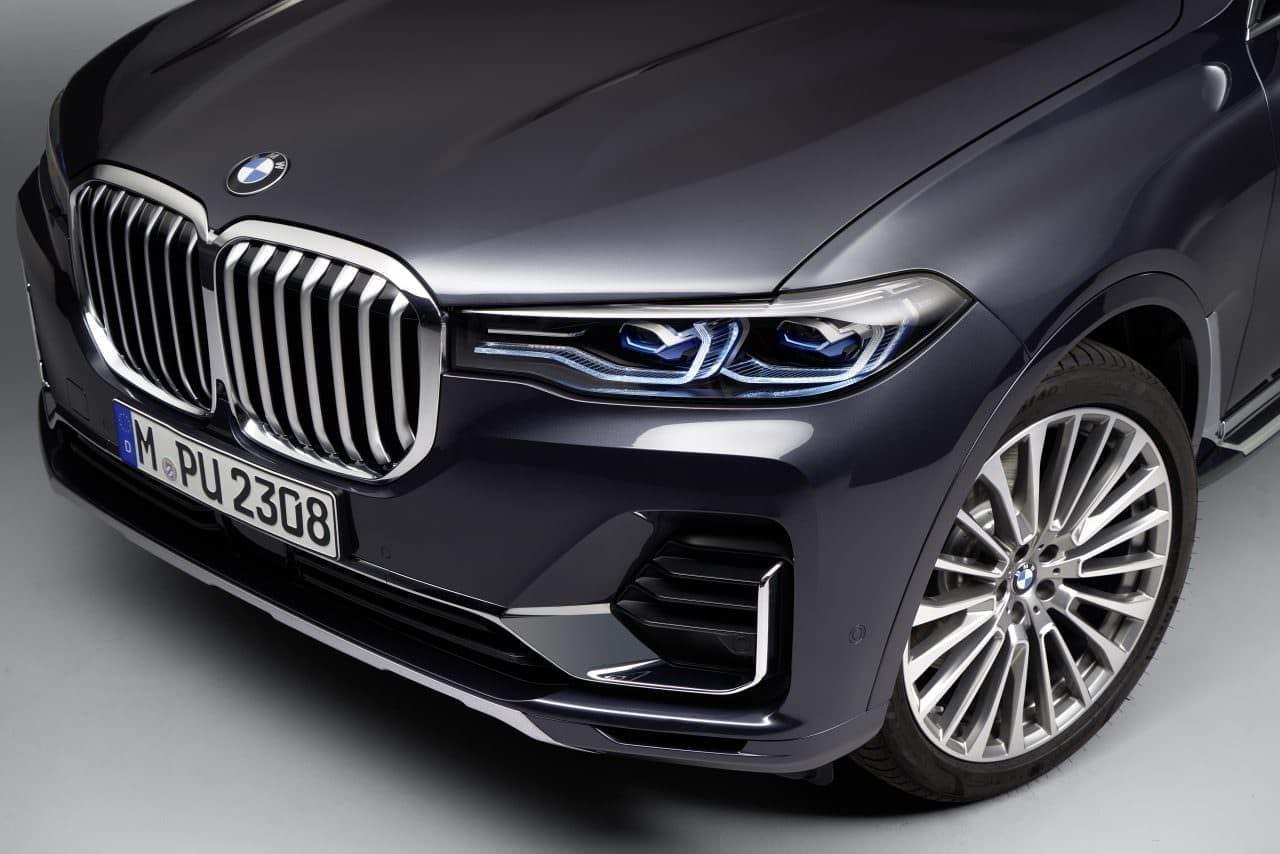 7人乗り3列シートのSAV - BMW 新型「X7」