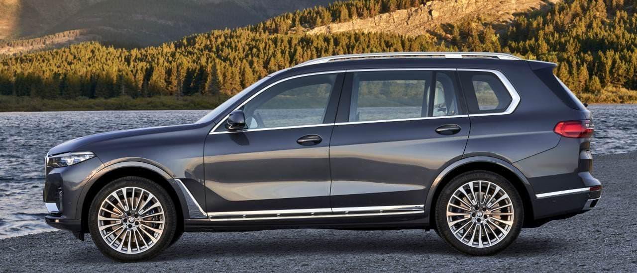 BMW X7をトランポに魔改造 ― どこにでも行ける組み合わせ「X7 Pick-up」+「F 850 GS」