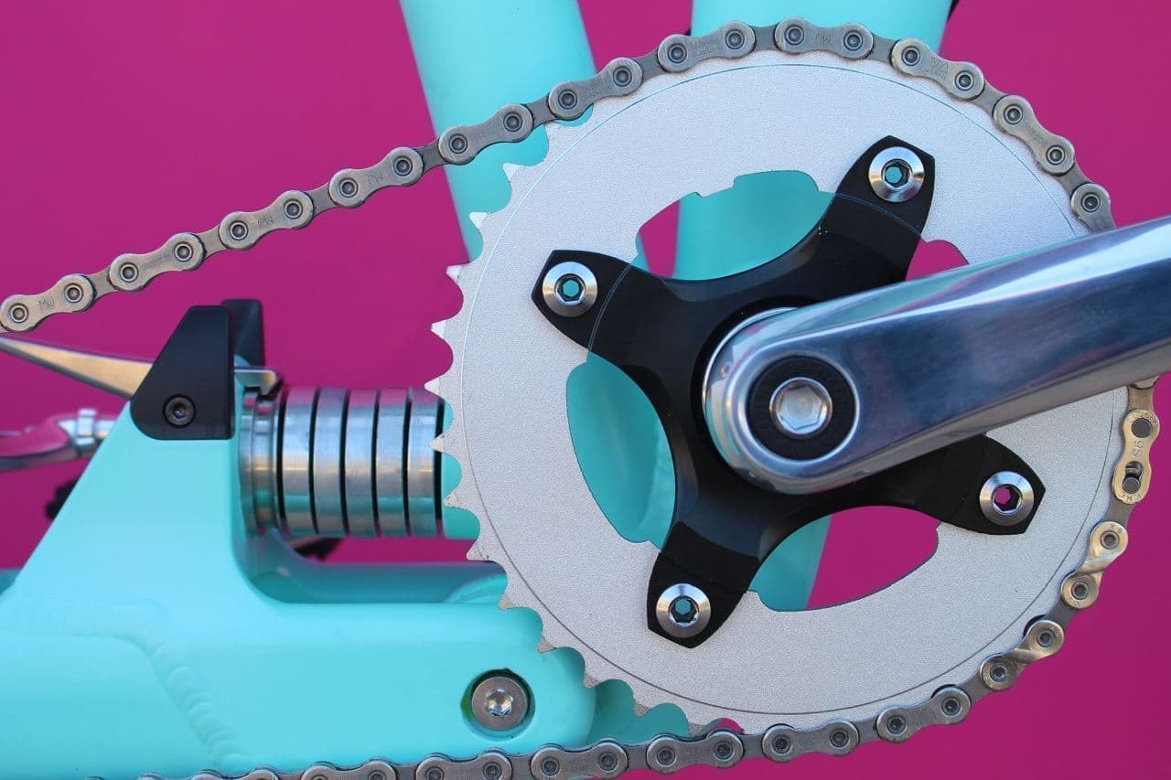元ジャガーランドローバーのエンジニアが開発した電動アシスト自転車「Flit-16」