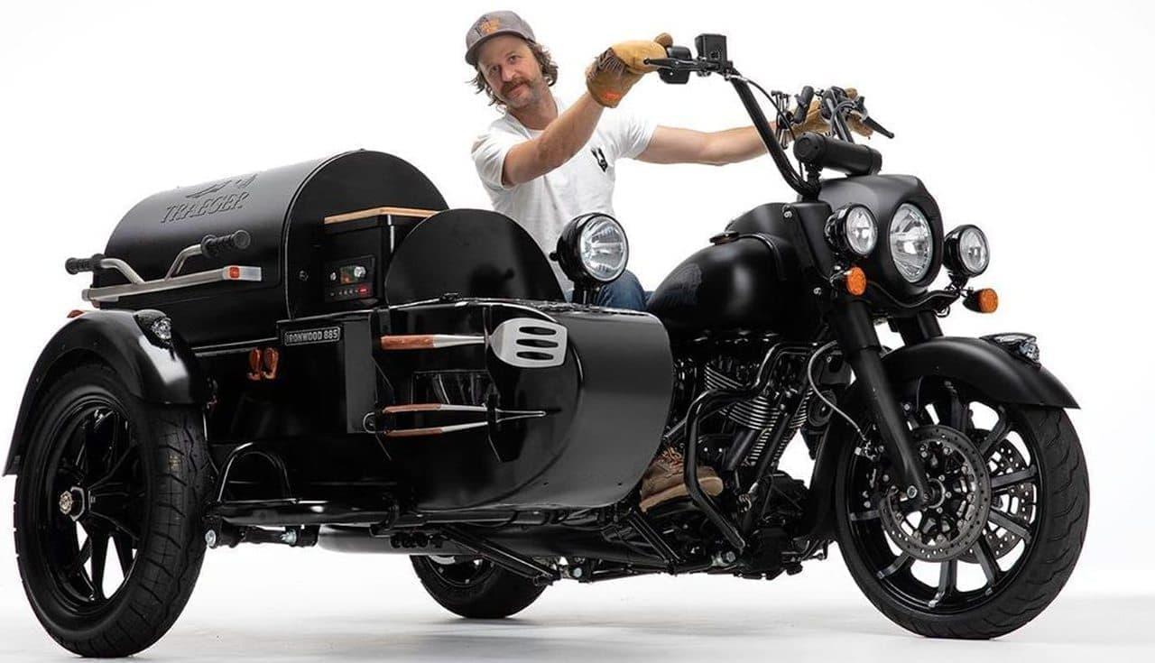 肉を焼きながらバイクで走れ!―グリル付き「キッチンバイク」がバイクフェスに