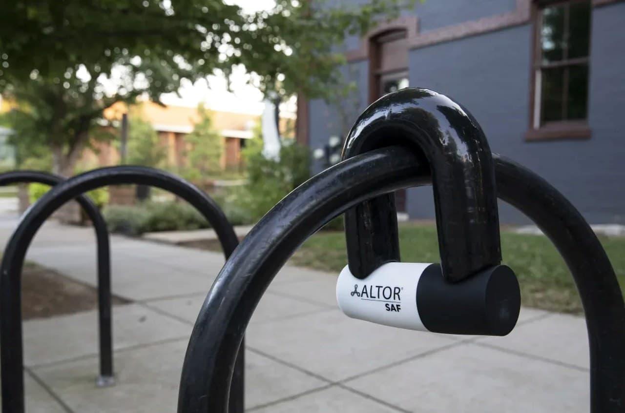 重さ6.2キロの自転車用ロック 下手すると自転車フレームより重い「SAF Lock」