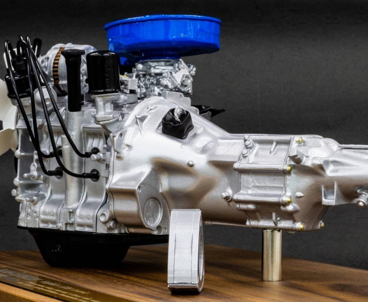 サバンナRX-7の12A型エンジン1/6スケールモデル、数量限定販売
