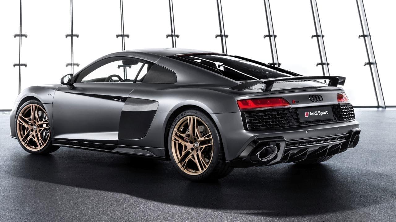 V10エンジン10周年を記念した限定モデル「Audi R8 Decennium」