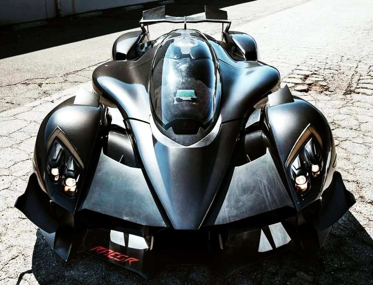 1,250馬力のハイパーカー「タキオン スピード」