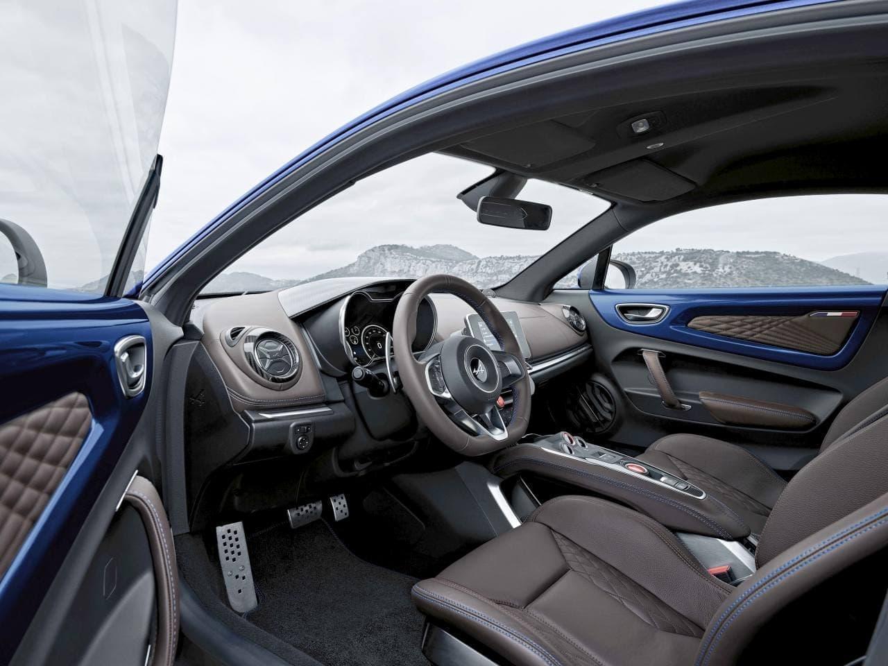 アルピーヌ「A110」の限定モデル「ブルー アビス」、先着での申込受付開始