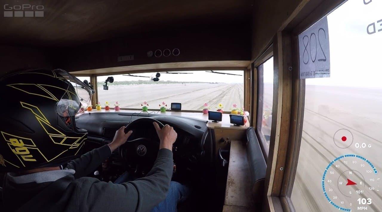 最高出力450馬力、最高速度時速181キロの「世界一速い物置小屋」