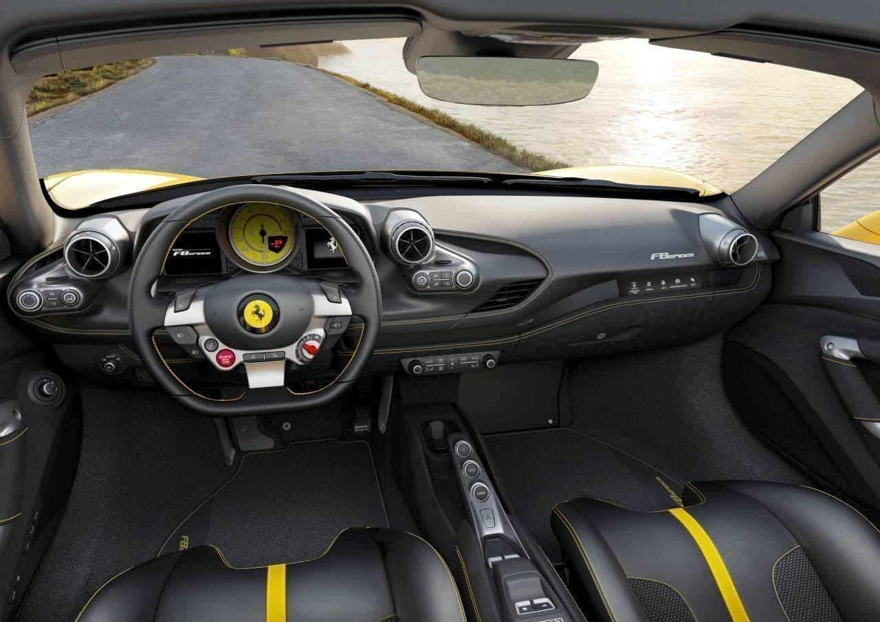 フェラーリがF8スパイダーを公開