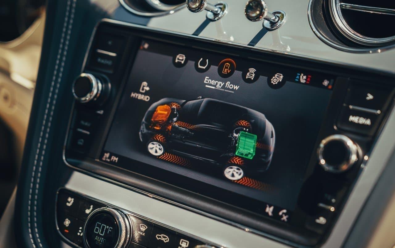 超高級SUV ベントレー「ベンテイガ・ハイブリッド」欧州でも販売開始