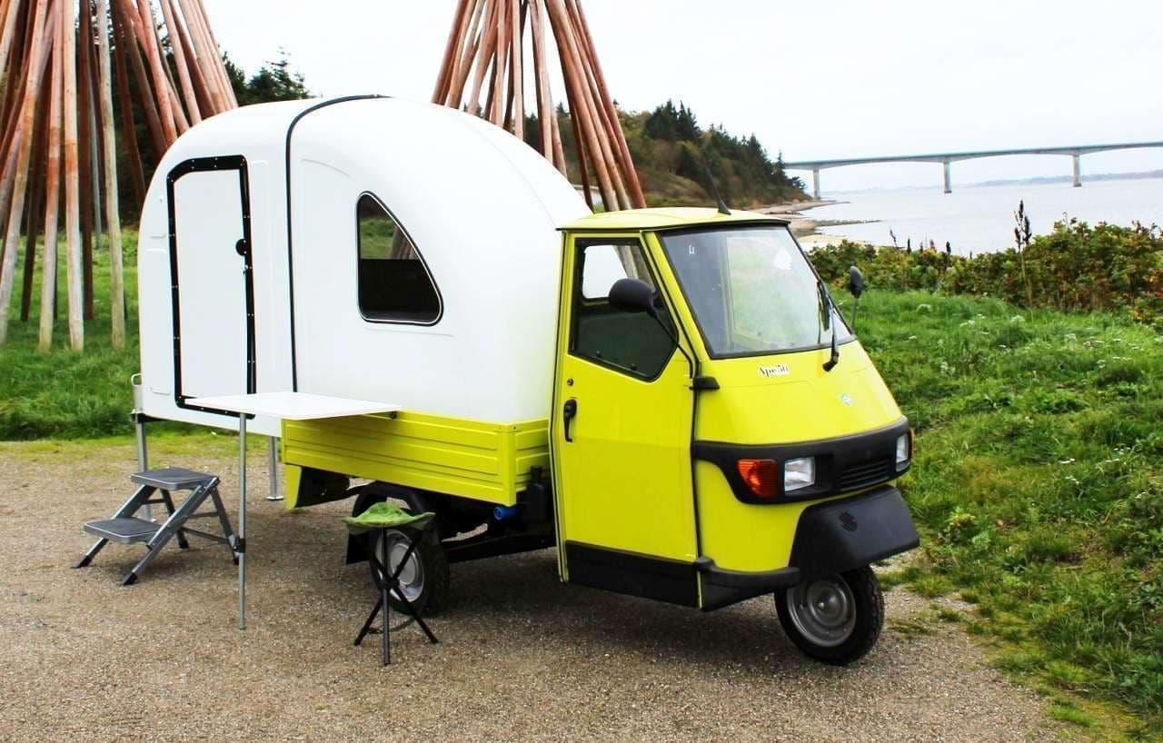 世界一魅力的な3輪車「Ape 50」をキャンピングカーに