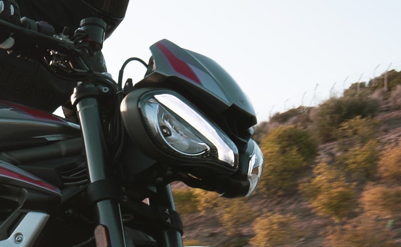 トライアンフが新型「STREET TRIPLE RS」を発表