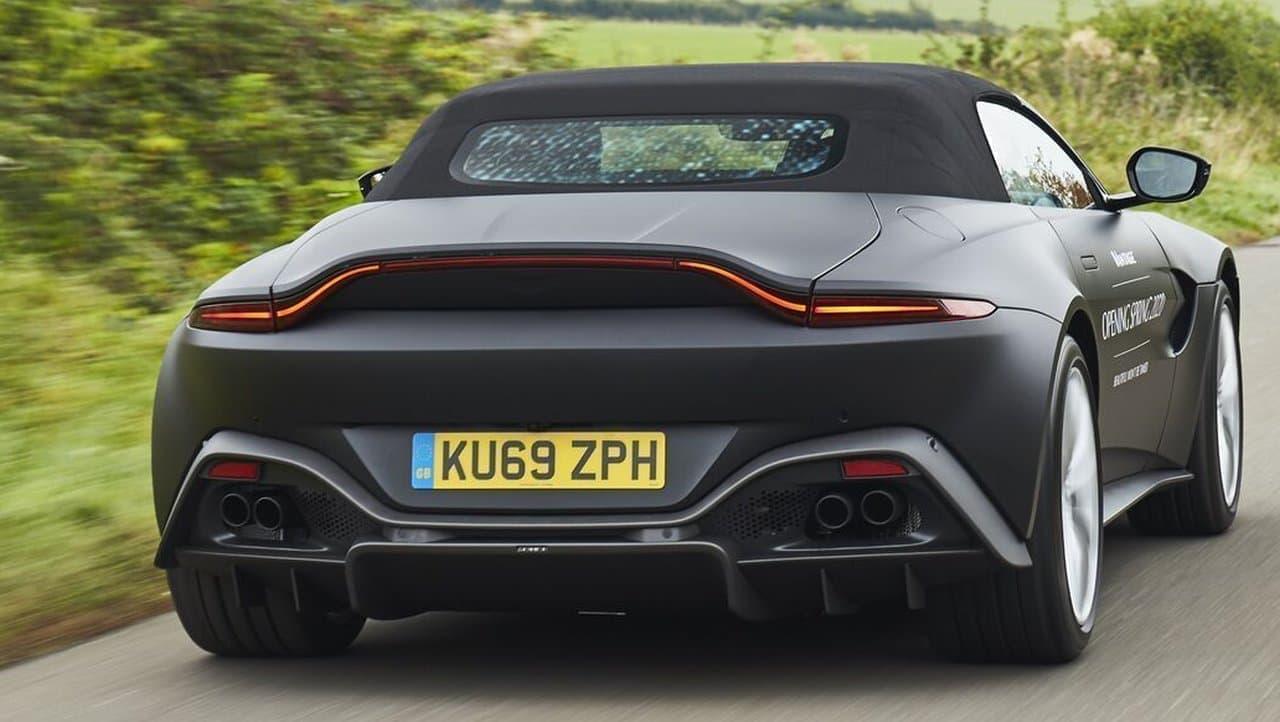 アストンマーティンが新型「Vantage Roadster(ヴァンテージ・ロードスター)」プロトタイプを公開