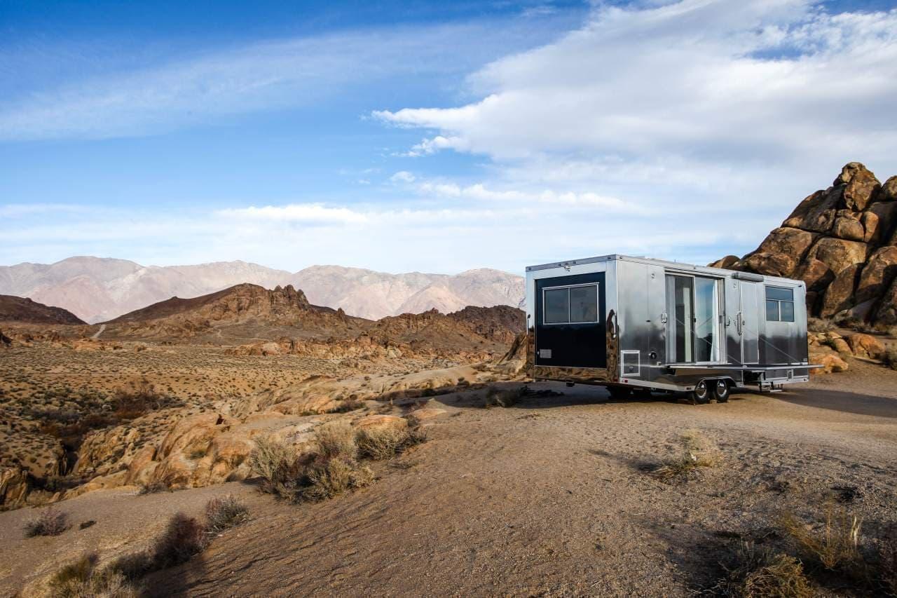 エコな理由でアルミボディなキャンピングトレーラー「Living Vehicle」