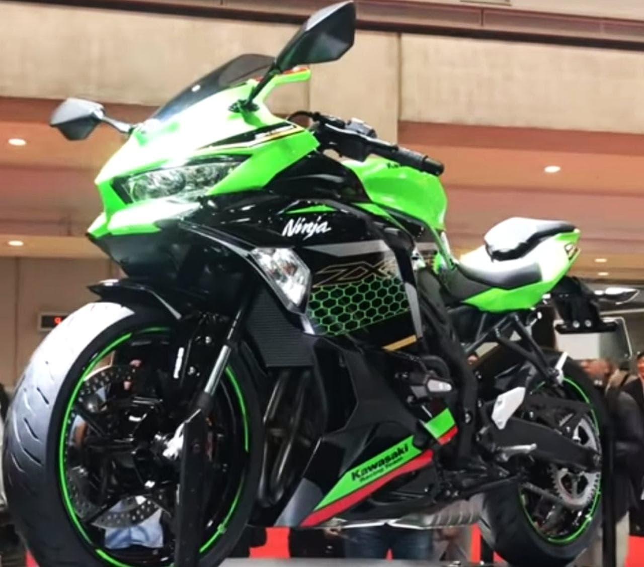 カワサキ、4気筒エンジン搭載「Ninja ZX-25R」を東京モーターショーで世界初公開