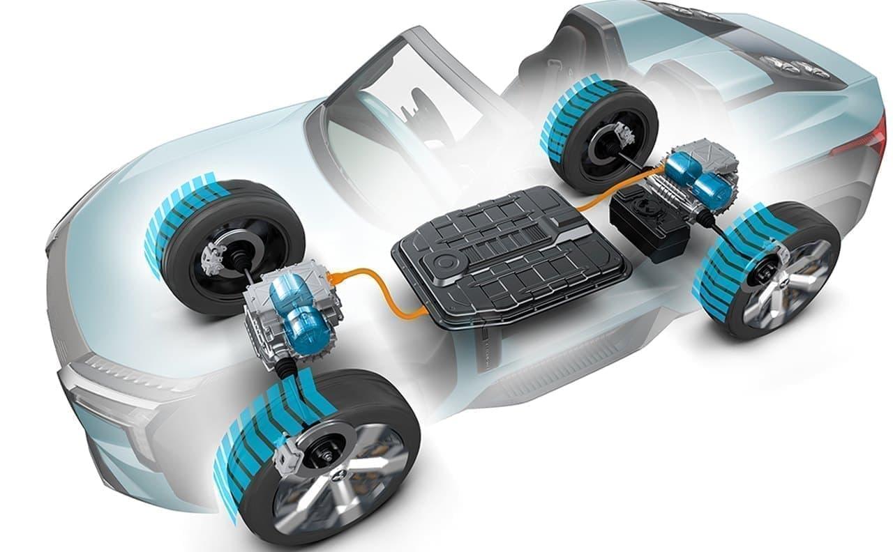 三菱「MI-TECH CONCEPT」公開―灯油やアルコールでも走れ、その場で180度回転できる