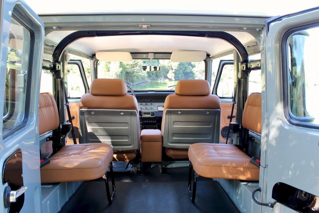 新車のようなランクルFJ40-1977年式を美しくレストア