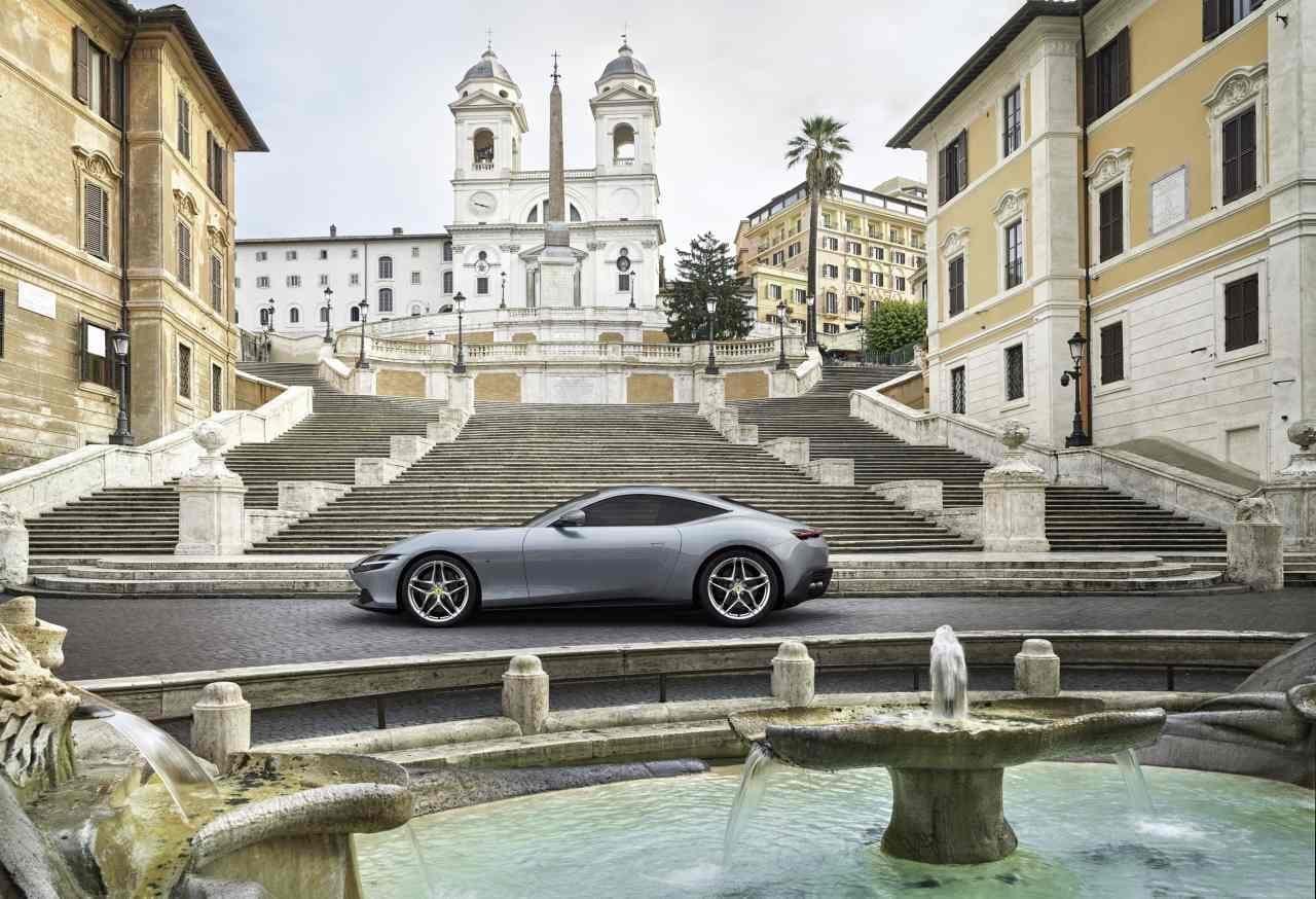0-100km/h加速3.4秒!612馬力のV8ツインターボを搭載したフェラーリ「ローマ」