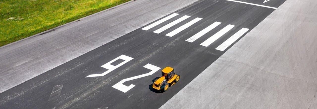 JCB「Fastrac Two」が「世界最速の農業用トラクター」の称号を手に
