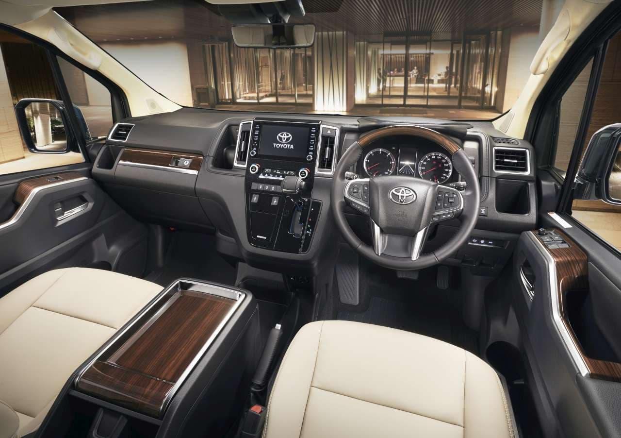 高級ワゴン トヨタ「グランエース」発売