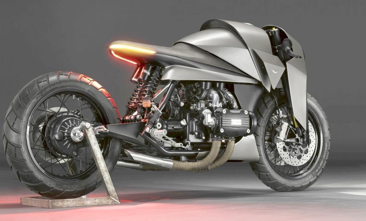 武士の甲冑をイメージしたバイク デスマシーンズ「建造(KENZO)」