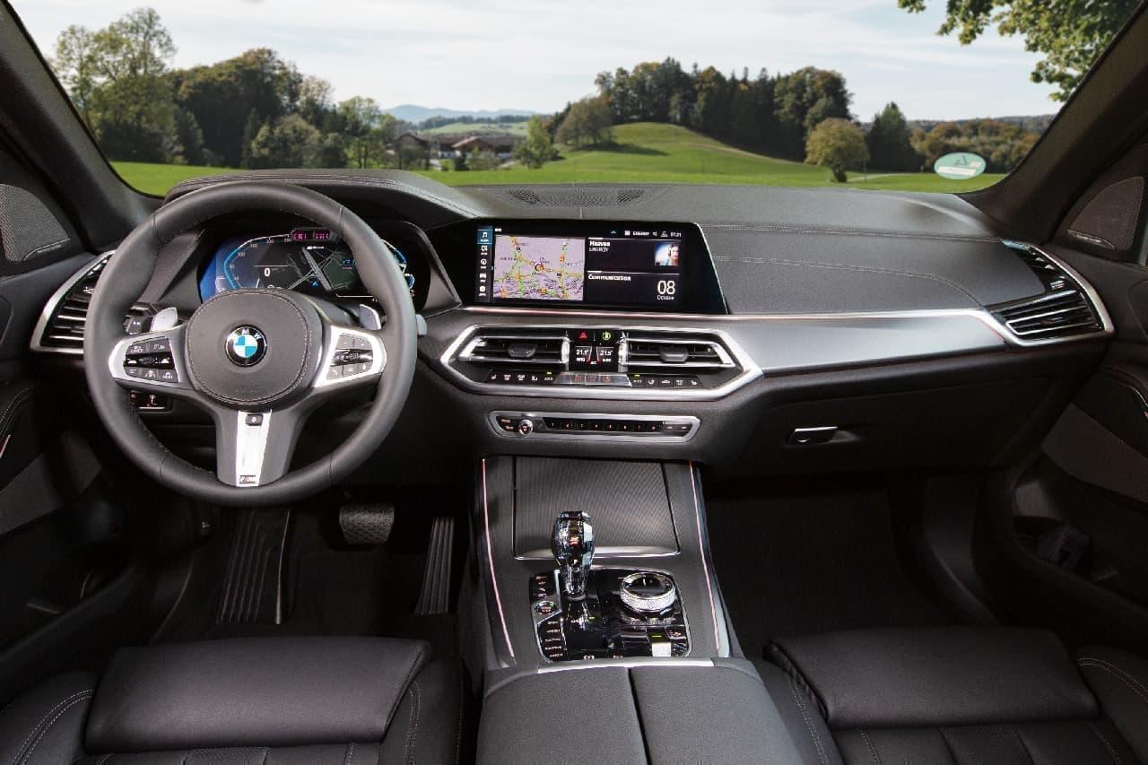 BMWのSAV「X5」にPHEVモデル「xDrive45e」と、V8エンジンモデル「M50i」