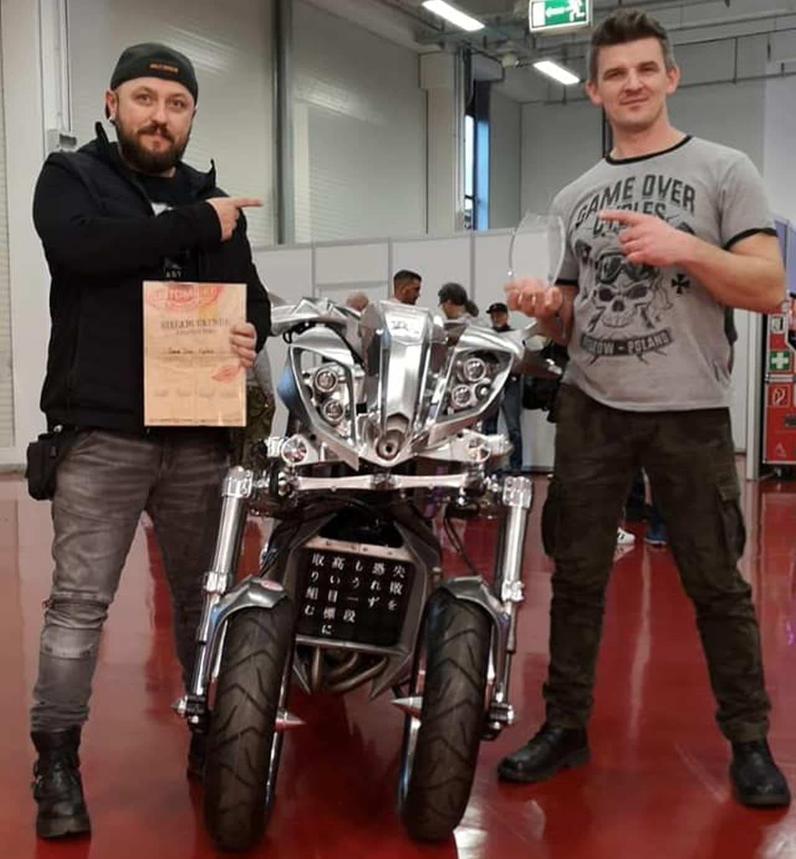 ヤマハ「NIKEN(ナイケン)」ベースのカスタムバイクが「Craziest Bike(もっともイカレたバイク)」に選ばれる