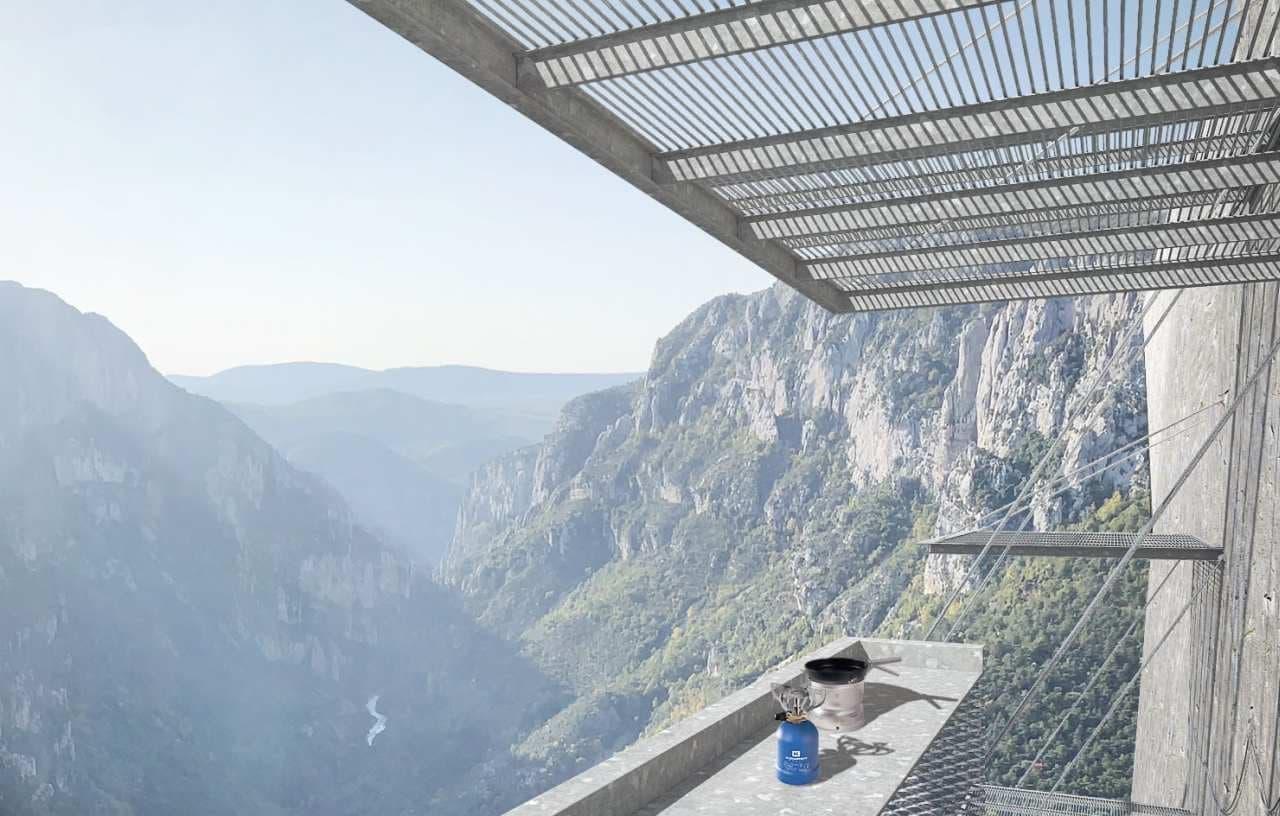 クライマーがのんびり景色を楽しめる「ヴェルドン バルコニー」