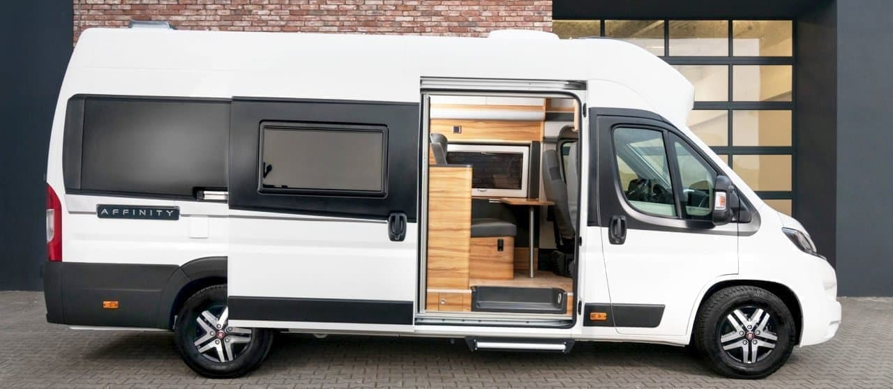 一日中過ごしたくなるキャンピングカーAffinity Camper Van